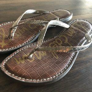 Sam Edelman Gracie flip flop sandals pewter boa